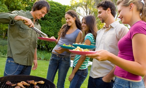 How to Throw a Barbecue on a Budget