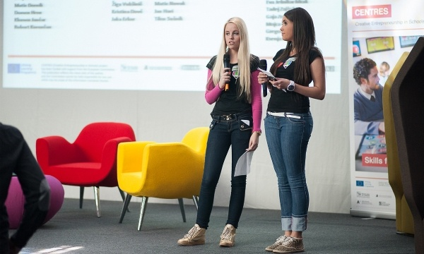 Teen Tank- Redmond Students Pitch Projects