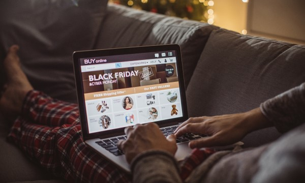Eight Tips for Safe Holiday Shopping